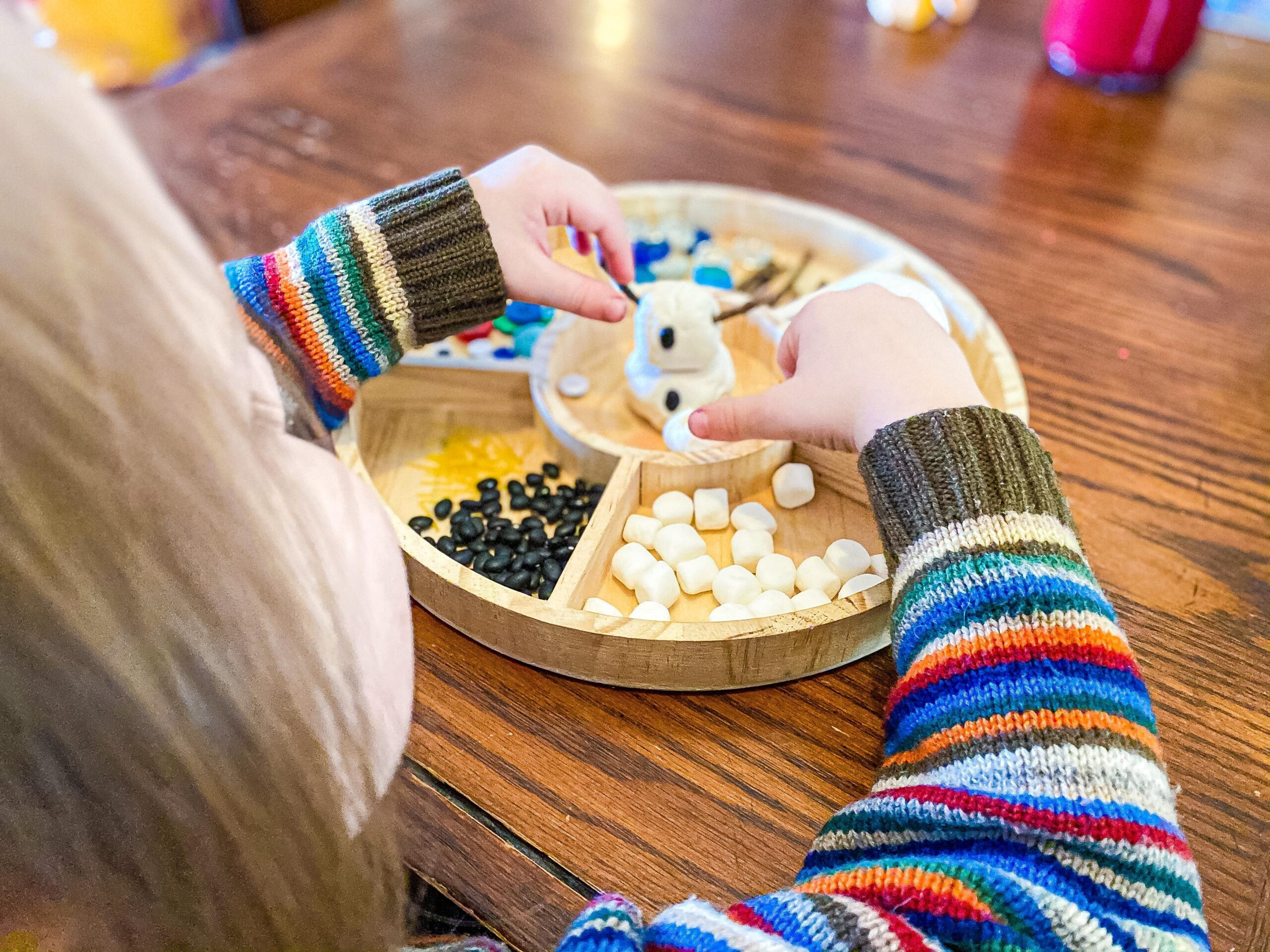 Snowman Playdough Tray   Winter Invitation to Play for Preschoolers