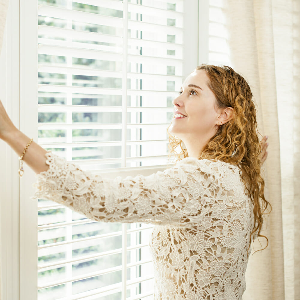 are windows with integral blinds built