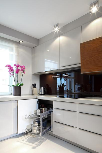 high gloss white cabinet 3