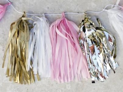 Original_TomKat-Studio-New-Years-Eve-Tissue-Garland-Step-5-Finished-Tissue-Paper-Garland_s4x3_lg