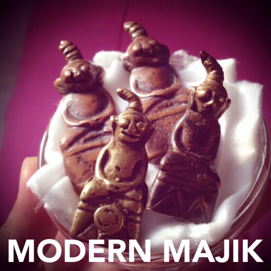 งั่งเขมรตาโปนอุดกริ่งเนื้อทองแดงเถื่อน เนื้อทองดอกบวบ นอนเรียงกับเป็นตับ by MODERN MAJIK