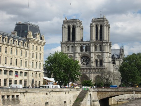 Notre Dame | Why Paris' Latin Quarter Is The Perfect Home Base | Modern Nan Travel Blog