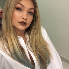 Gigi Hadid Blue Color Melt