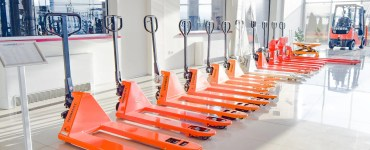 Lifting equipment for warehouse