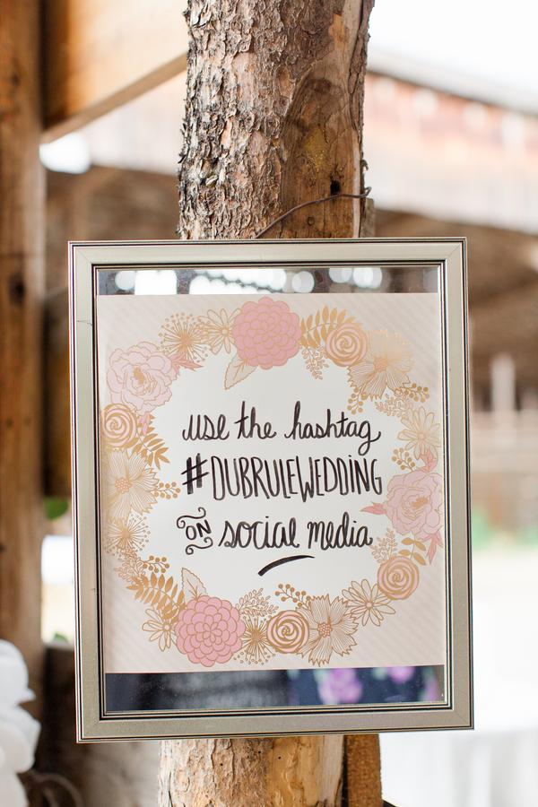 chic barn wedding