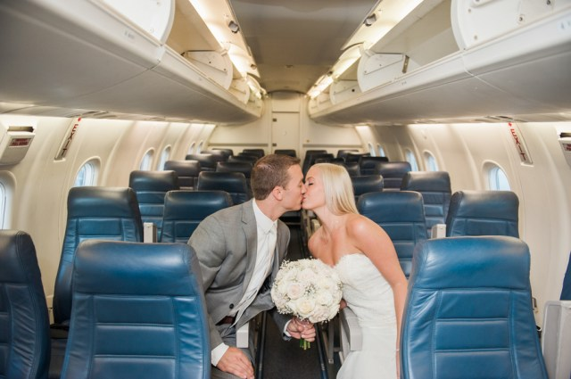 flight-themed wedding