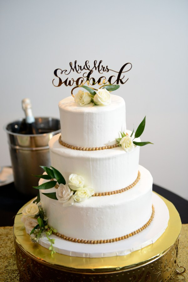 modern gold wedding