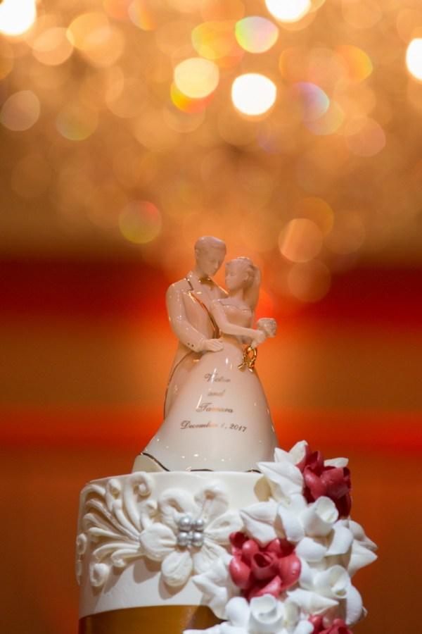red winter wedding