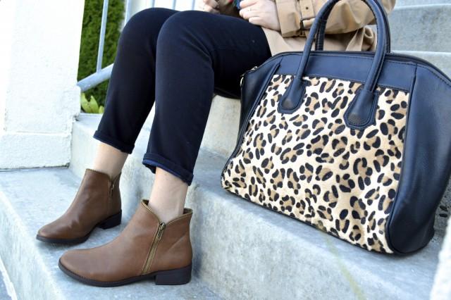 Love this cute leopard print bag!