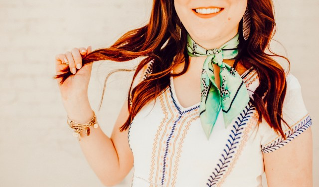 How to style a neck scarf
