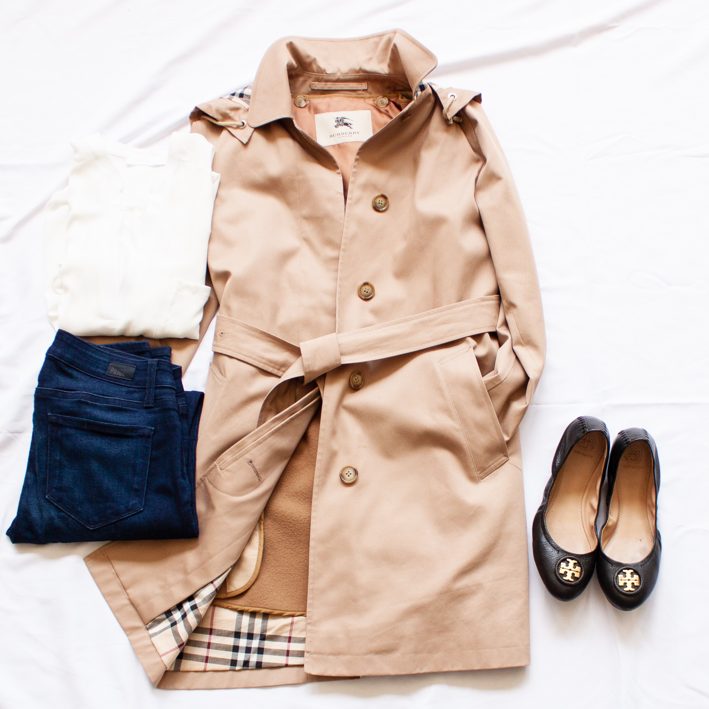 nyc bound burberry trench coat
