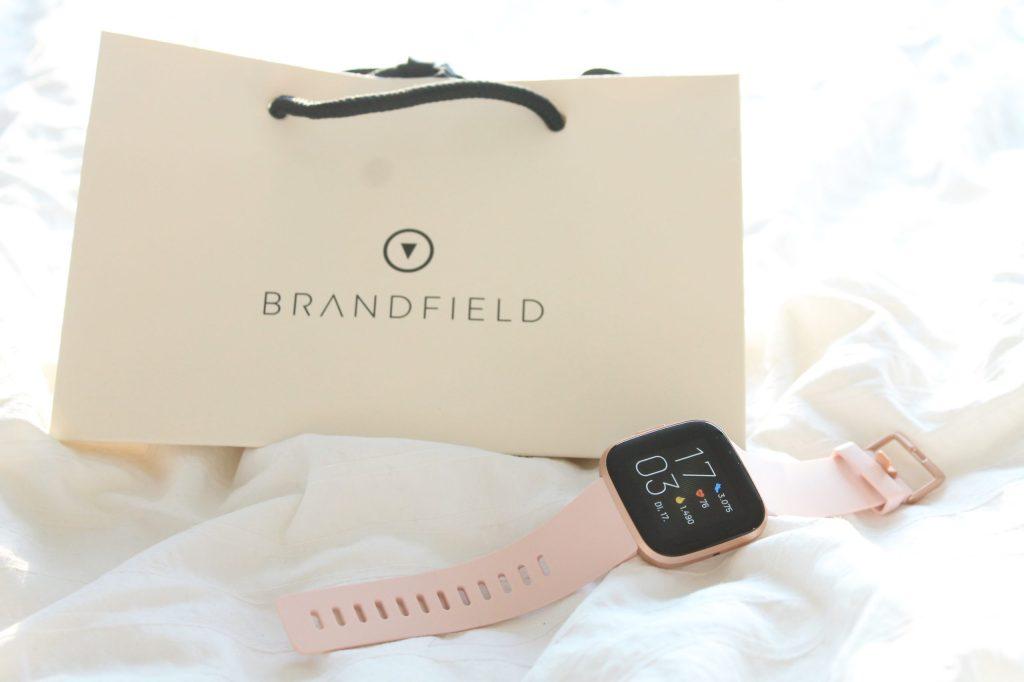 Fitbit bei Brandfield bestellen geschenkverpackung