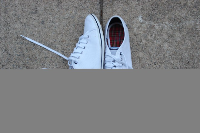 White sneakers Fred Perry Chantal Sarkisian Plus-Size Fashion Blog Ottawa RBC Bluesfest