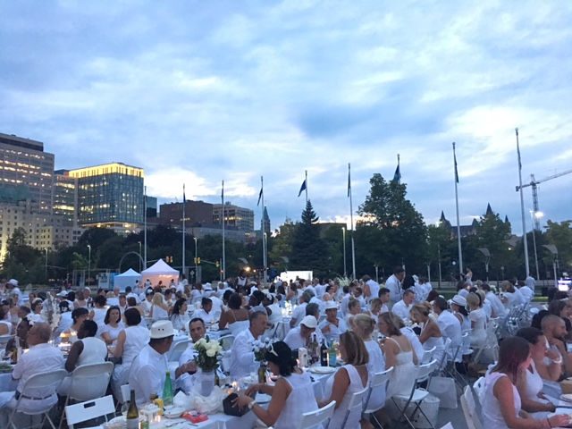 Diner en Blanc 2016 Ottawa Fashion Blog 12