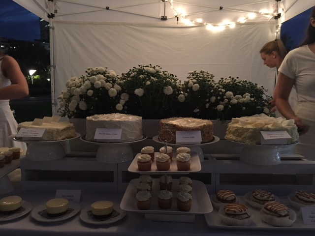 Diner en Blanc 2016 Ottawa Fashion Blog 14 dessert bar Metro