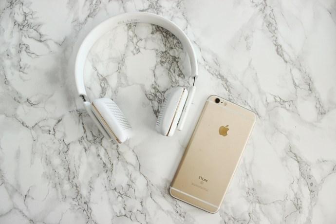 Specter ELUX wireless white rose gold headphones Fashion blogger Ottawa blog