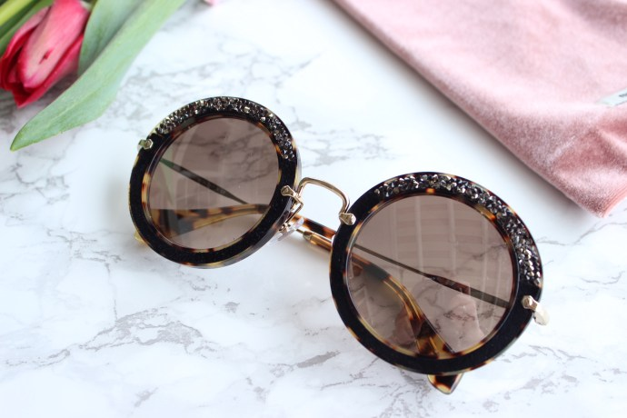 Ottawa designer sunglasses Fashion blog blogger Chantsy Ottawa Influencer Miumiu Sunglasses
