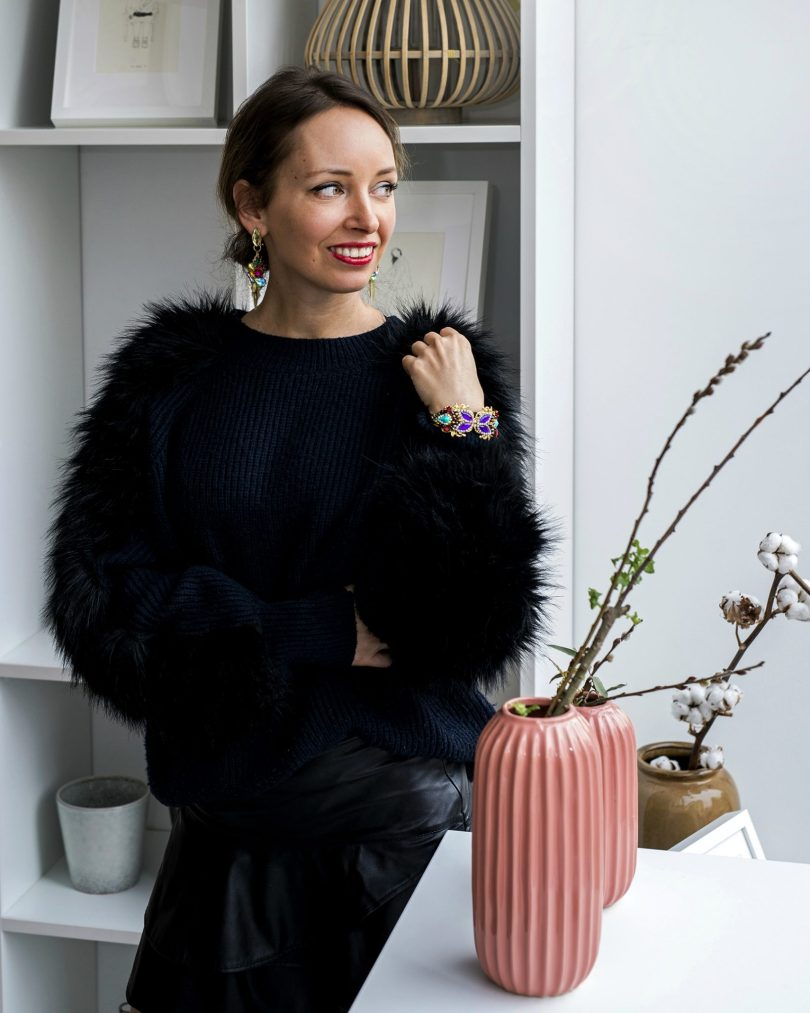 sperky-bizuteria-nausnice-elisha fox-sveter-kaviaren-outfit-blogerka-modny blog-naramok