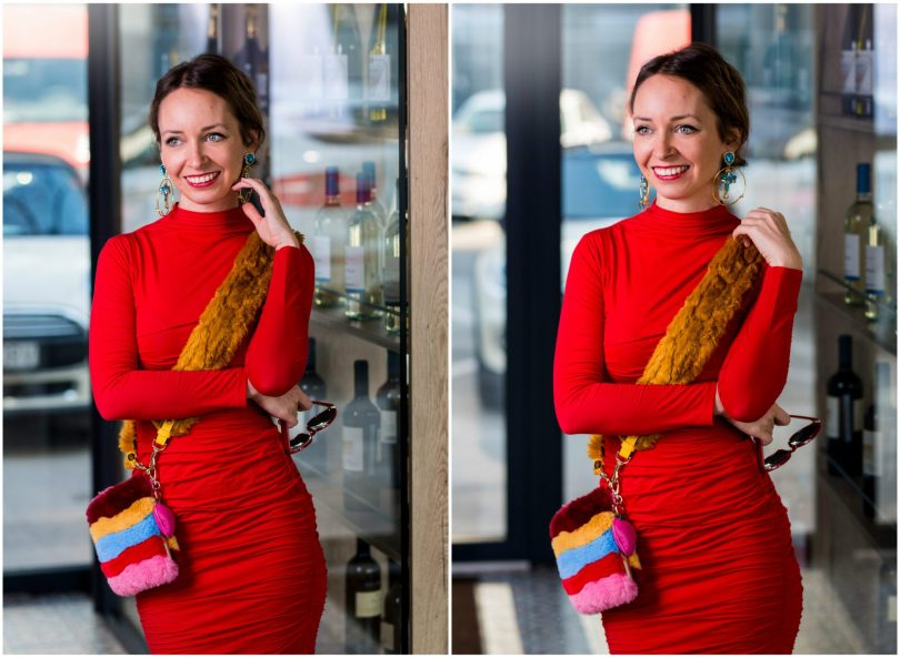 modna blogerka-modny blog-cervene saty-sugarbird-puzdrove saty-farebna kabelka-restuaracia-u taliana