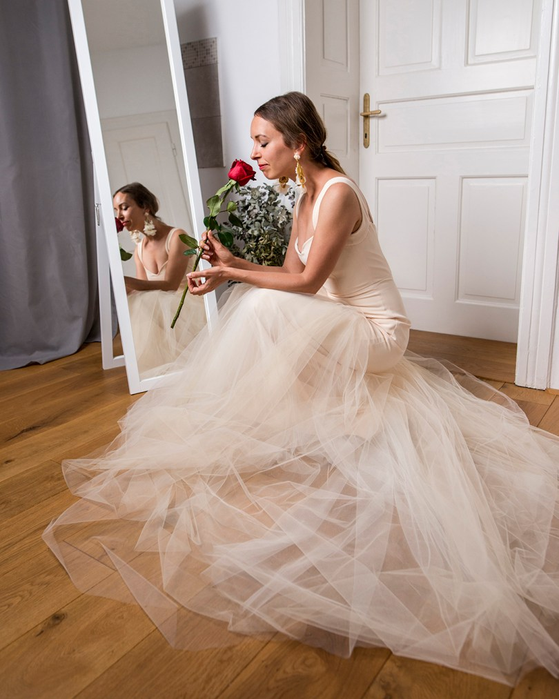 Svadobne_saty_nevesta_Veronika_Kostkova_slovenska_modna_navrharka