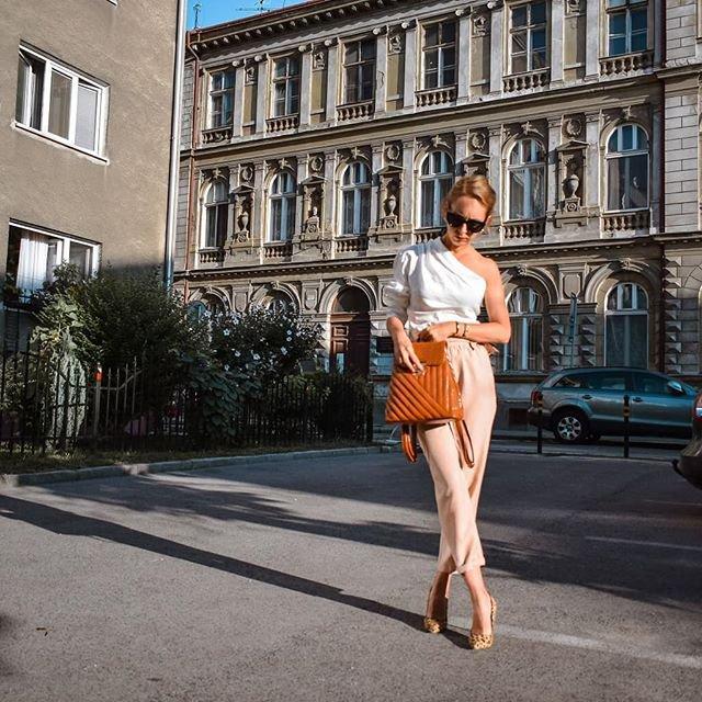 Kapsulovy satnik blog blogerka nohavice s vysokym pasom modny tucet