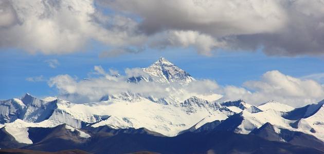 أعلى جبل في العالم موضوع