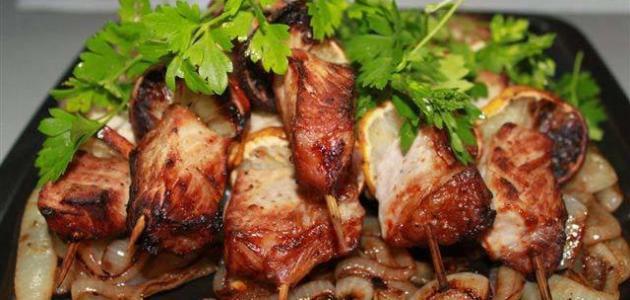 كيفية تتبيل الدجاج للشوي موضوع