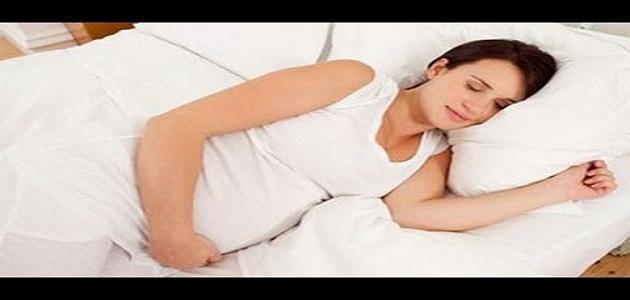 كيف تنام الحامل في الشهر التاسع موضوع