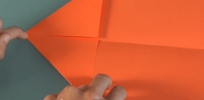 Build the best paper plane in 1 min Step by Step