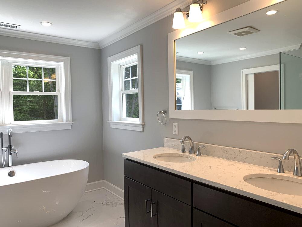 Thomas Sturges Construction modular home bathroom.