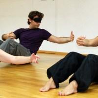 Pilates με τα μάτια κλειστά