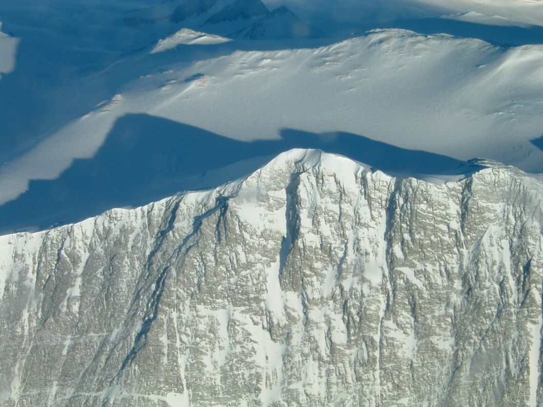 Mount_vinson_massif