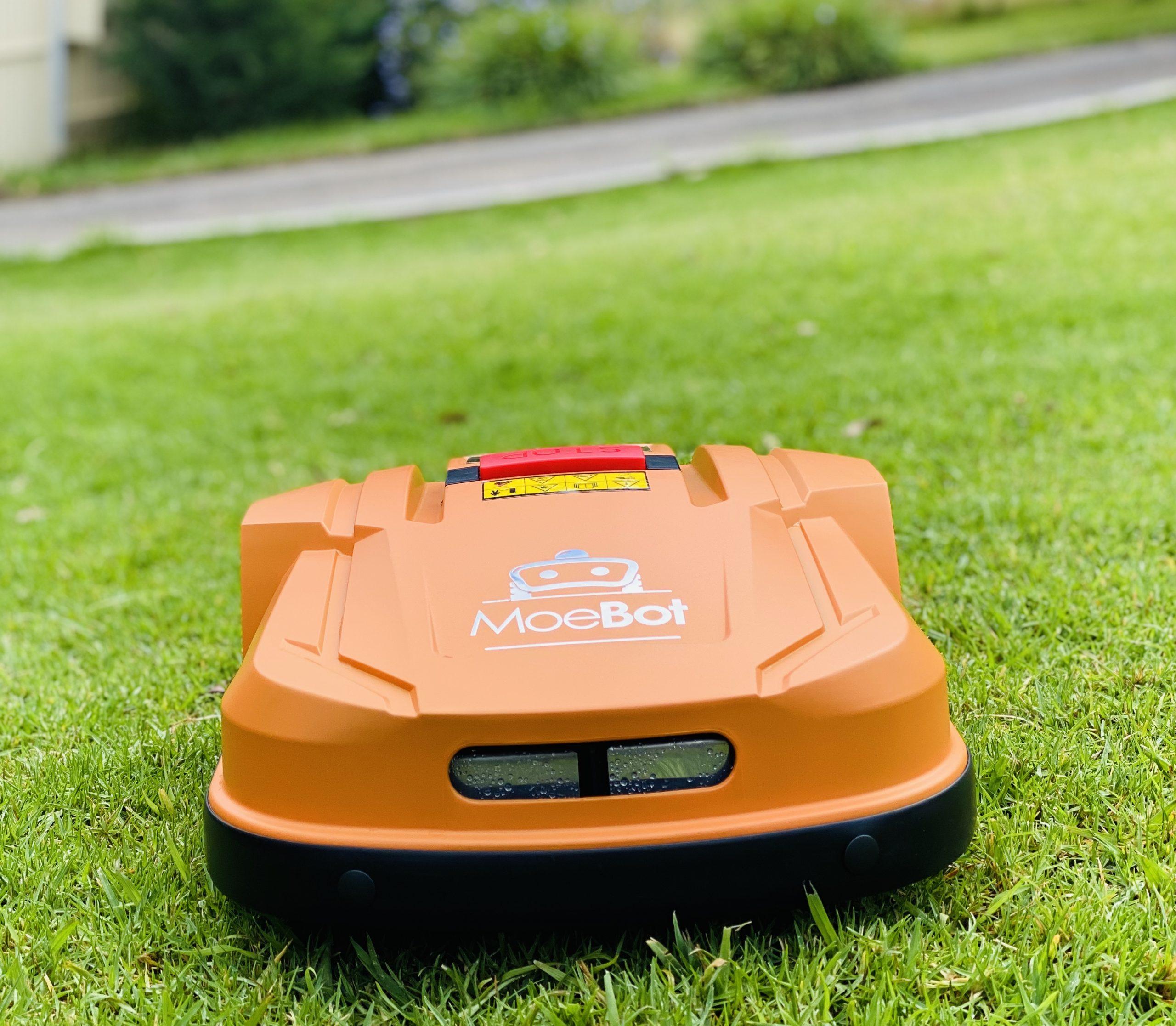 MoeBot Size - Robot Lawn Mower