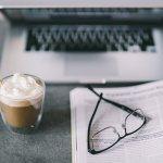PCメガネはネットビジネスでの長時間のパソコン作業におすすめです♪