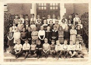moe-as-a-kid-in-school-pic