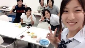 女子サッカーなでしこジャパンの塩越柚歩の制服が可愛い