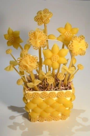 Букеты цветов, букет из макарон своими руками