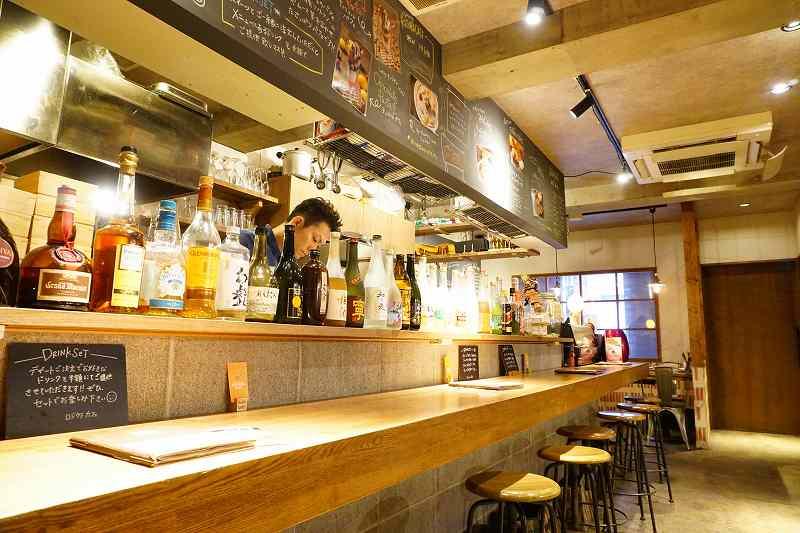 ROJIURA Café(ロジウラカフェ)のカウンター席