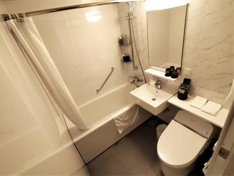 ザノット札幌のスタンダードツインルームの浴室・トイレ