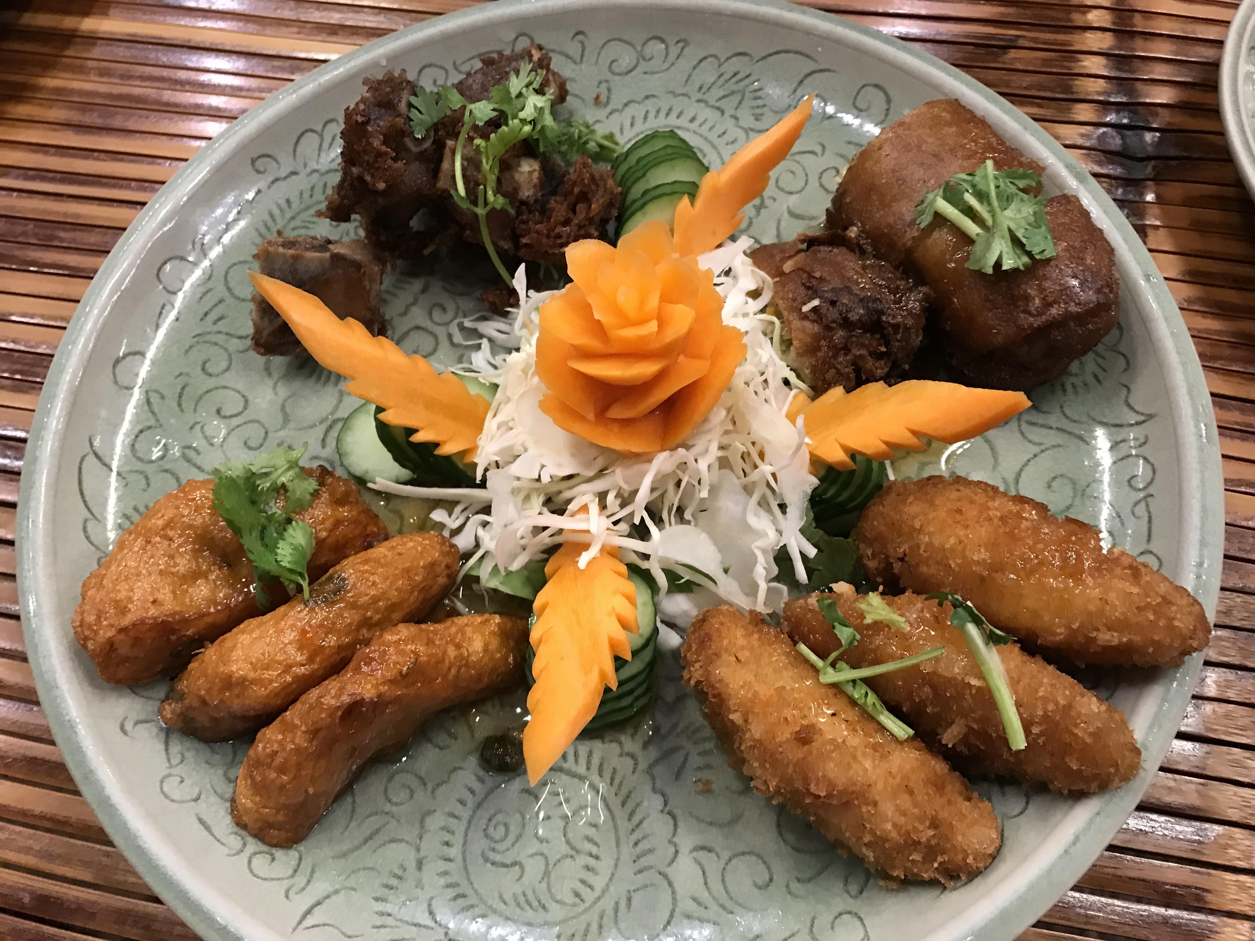 笹塚 家族でタイ料理が楽しめるレストラン セラドン 前菜の盛り合わせ
