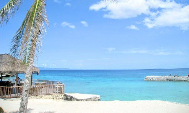 週末に2泊3日家族旅行 セブ島のきれいな海
