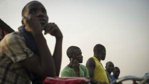 Burundi mobile