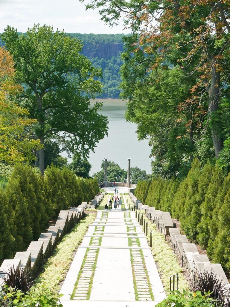 Untermyer Gardens vista Hudson