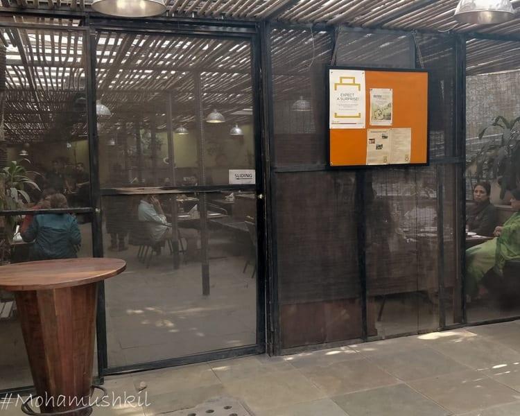 Cafe Lota