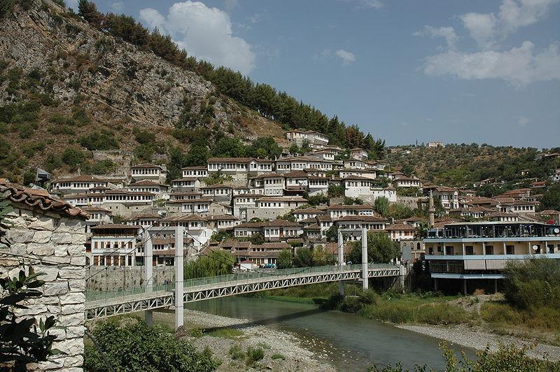 800px-Berat_Albania_bridge