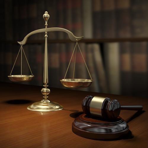 11 بند لإختيار أفضل المحاميين و التعامل معهم