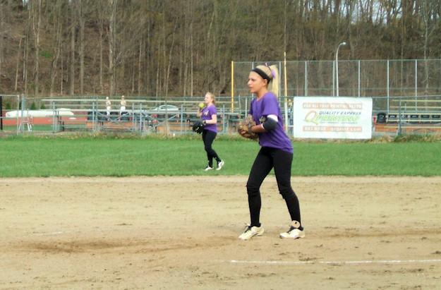 Michaela Puglisi pitching