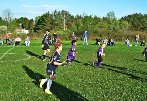 This year's AYSC U8 Spring Travel Team plays against Rotterdam