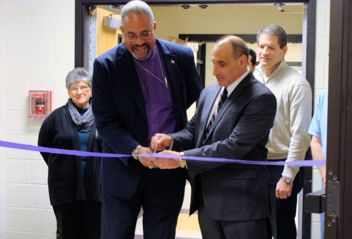 Ribbon_Cutting_Article