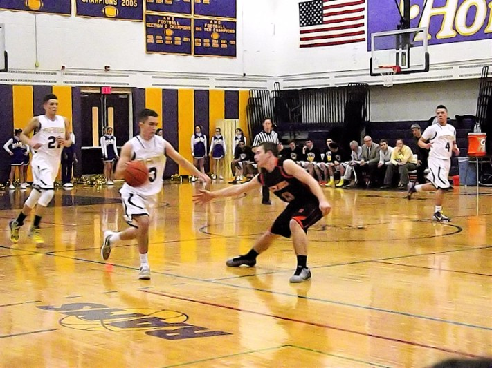 Andrew Druziak moving with the ball